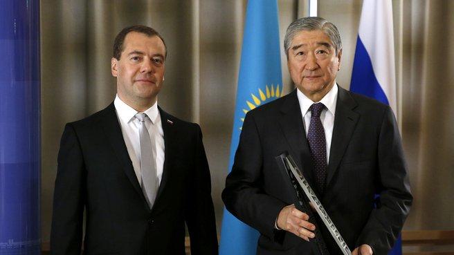 С генеральным секретарём Евразийского экономического сообщества Таиром Мансуровым