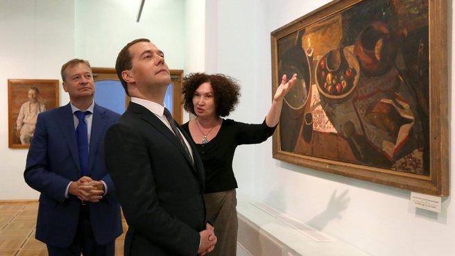 С главой Республики Марий Эл Леонидом Маркеловым и директором Национальной художественной галереи Еленой Бурнашевой