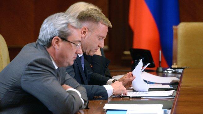 Глава Минобрнауки Дмитрий Ливанов и временно исполняющий обязанности главы Республики Коми Вячеслав Гайзер