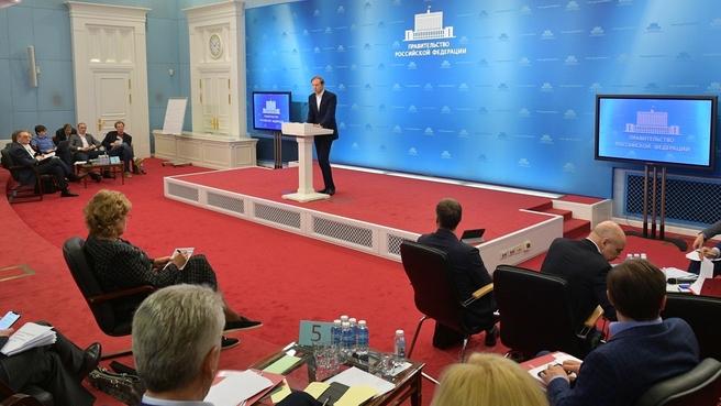 Выступление Дениса Мантурова на заседании стратегической сессии Координационного совета по борьбе с коронавирусной инфекцией