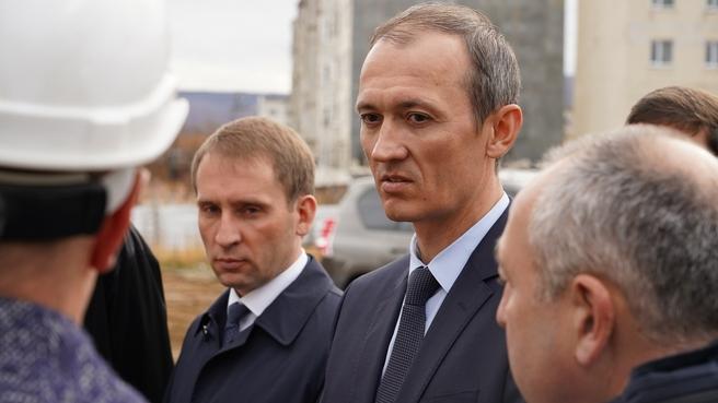 Дмитрий Григоренко во время рабочей поездки в Магаданскую область