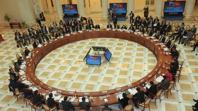 19-ое заседание Межправительственной  Российско-Вьетнамской комиссии по торгово-экономическому  и научно-техническому сотрудничеству