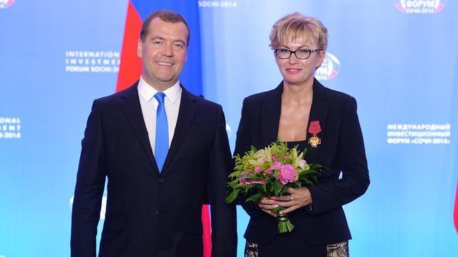 С вице-президентом государственной корпорации «Олимпстрой» Ириной Лищенко, награждённой орденом «За заслуги перед Отечеством» IV степени
