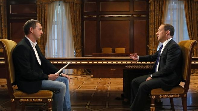 Интервью Дмитрия Медведева газете «Коммерсантъ»