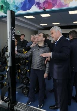 Посещение спортивного кластера «Сопка». Справа - руководитель Федерального медико-биологического агентства Владимир Уйба