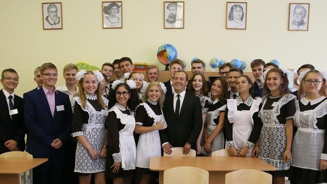 С учащимися 11-го класса средней общеобразовательной школы №34 в Подольске