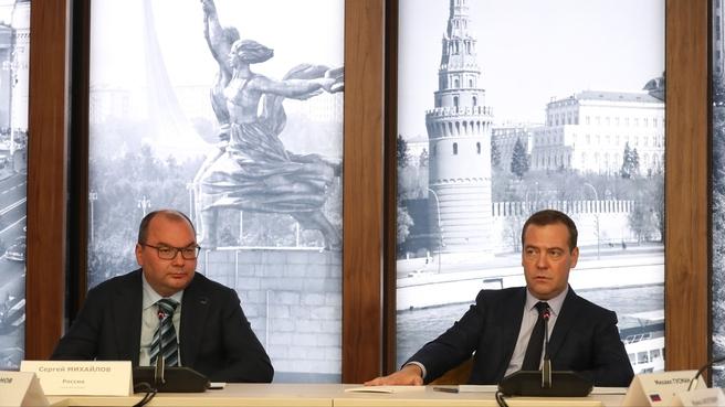 С генеральным директором ТАСС Сергеем Михайловым на встрече с членами Совета руководителей государственных информационных агентств СНГ