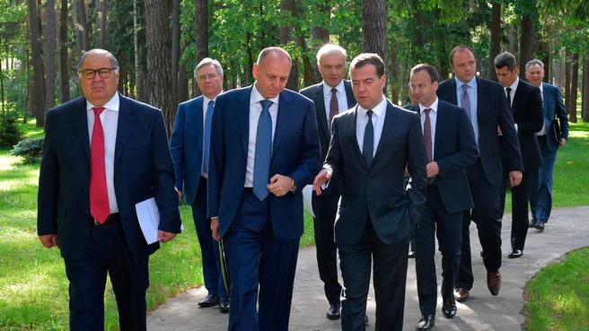 Перед началом заседания попечительского совета Фонда поддержки олимпийцев России