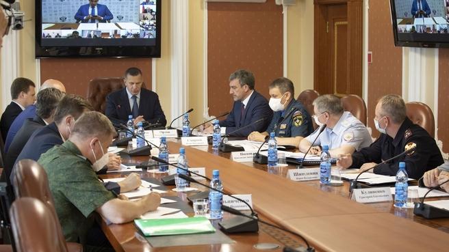 Юрий Трутнев провёл совещание по вопросу «О защите населения, объектов экономики и социальной инфраструктуры от паводков на территории Дальневосточного федерального округа»