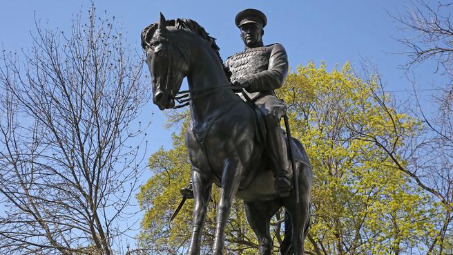 Памятник Маршалу Советского Союза Рокоссовскому