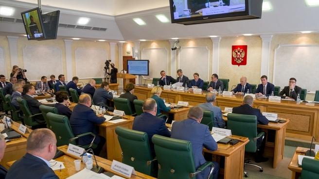 Встреча Алексея Гордеева с членами Совета Федерации