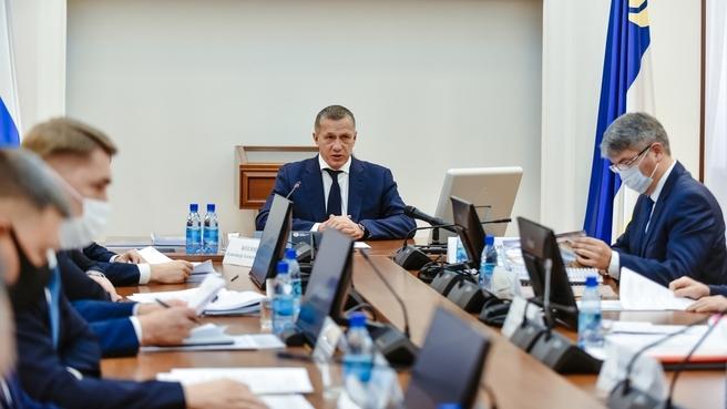Юрий Трутнев во время совещания о социально-экономическом развитии региона, об эффективности работы ТОР и ОЭЗ «Байкальская гавань»