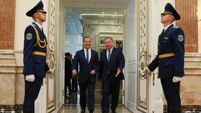 С премьер-министром Республики Белоруссия Андреем Кобяковым