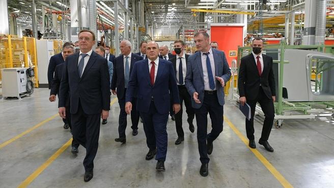 Михаил Мишустин посетил производственные предприятия КамАЗа в Набережных Челнах