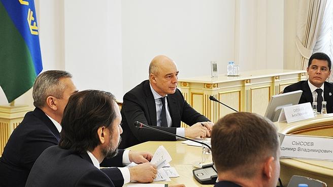 Выступление Антона Силуанова на выездном совещании в Тюмени о реализации национальных проектов «Международная кооперация и экспорт», «Производительность труда и поддержка занятости» и «Развитие МСП»