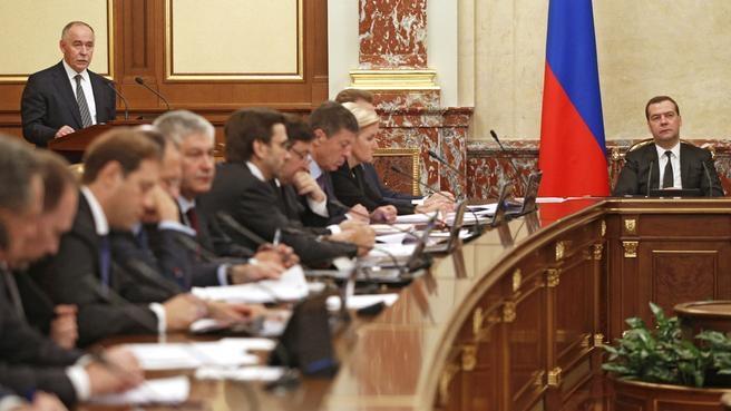 Доклад директора Федеральной службы по контролю за оборотом наркотиков Виктора Иванова на заседании Правительства