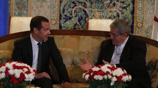 С Премьер-министром Алжира Ахмедом Уяхьей
