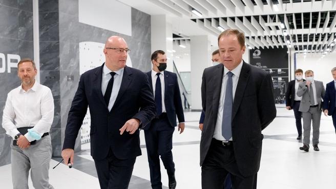 Дмитрий Чернышенко и Игорь Комаров обсудили подходы к социально-экономическому развитию Приволжского федерального округа