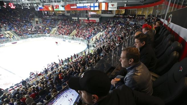 Дмитрий Медведев на матче Континентальной хоккейной лиги «Авангард» – ЦСКА