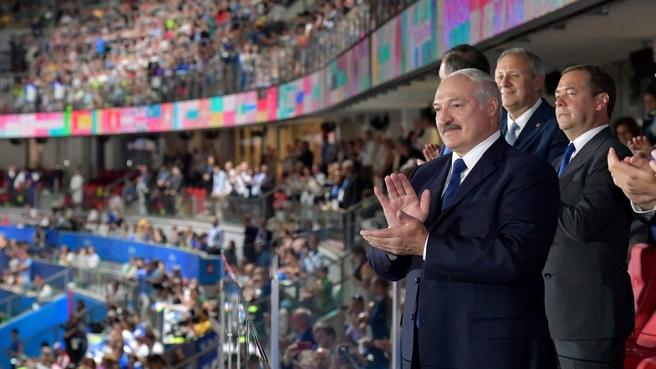 На церемонии открытия II Европейских игр с Президентом Республики Беларусь Александром Лукашенко и Премьер-министром Белоруссии Сергеем Румасом