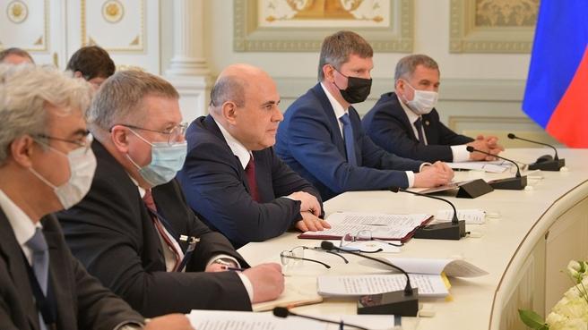 Беседа Михаила Мишустина c Премьер-министром Республики Таджикистан Кохиром Расулзода