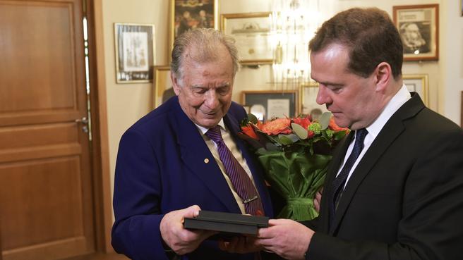С ректором Академического университета Жоресом Алфёровым