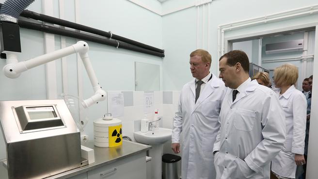 Посещение Центра ядерной медицины в Уфе. С председателем правления ОАО «Роснано» Анатолием Чубайсом