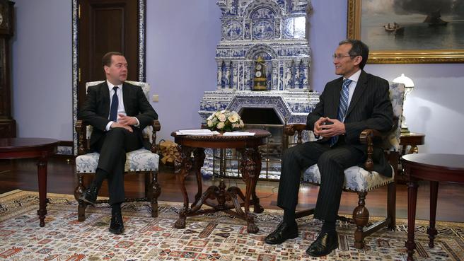 Встреча с Премьер-министром Киргизии Джоомартом Оторбаевым