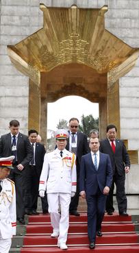 Во время посещения Мемориала павшим героям