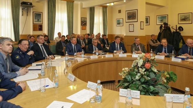 Первый заместитель председателя коллегии Военно-промышленной комиссии Андрей Ельчанинов провёл заседание рабочей группы по проблемам развития комплексов с беспилотными летательными аппаратами военного (двойного) назначения
