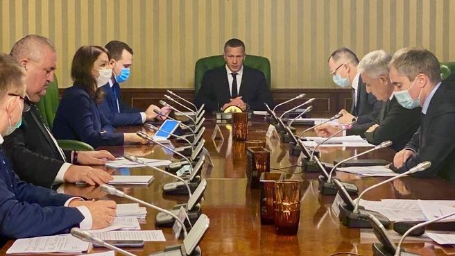 Юрий Трутнев на  совещании по строительству аварийно-спасательного флота для Севморпути