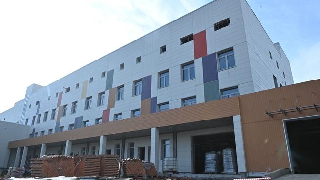 Осмотр хода строительства детского больничного комплекса