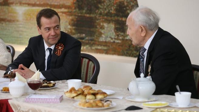 Встреча с ветеранами Великой Отечественной войны. С Александром Сергеевичем Юлиным