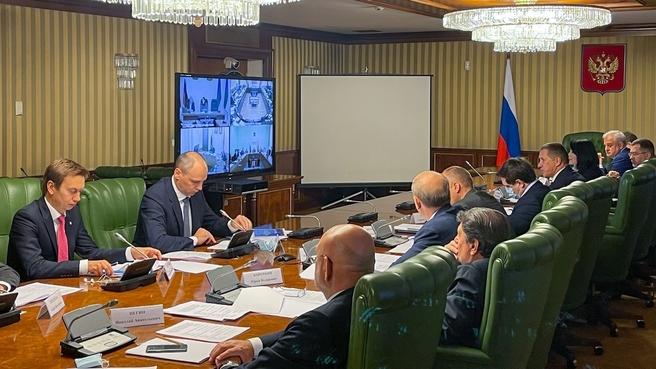 Юрий Трутнев на заседании межведомственной рабочей группы по вопросам создания ОЭЗ и ТОР в моногородах