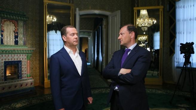 Интервью Дмитрия Медведева Всероссийской государственной телевизионной и радиовещательной компании