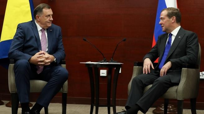 С членом Президиума Боснии и Герцеговины от сербского народа Милорадом Додиком