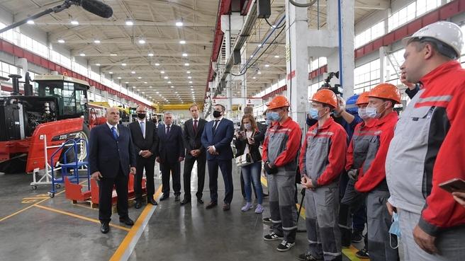 Беседа с работниками Комбайнового завода «Ростсельмаш»