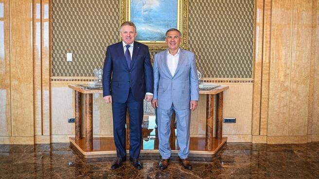 Президент Республики Татарстан Рустам Минниханов и член коллегии ВПК Вячеслав Шпорт