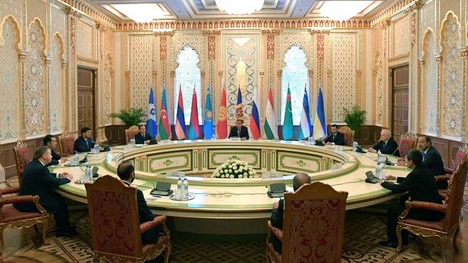 Встреча глав делегаций государств – участников Содружества Независимых Государств с Президентом Таджикистана Эмомали Рахмоном
