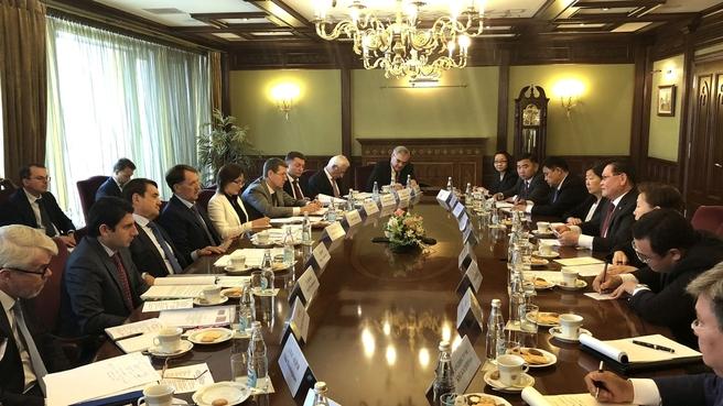 Встреча Алексея Гордеева с вице-премьером Монголии Ульзийсайханы Энхтувшином