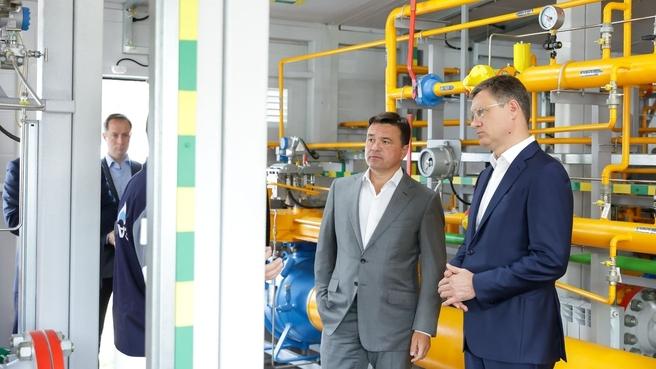 Александр Новак и Андрей Воробьёв посетили новый пункт социальной газификации