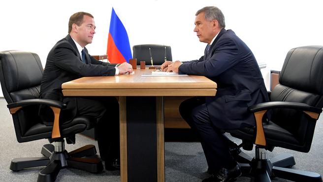 Рабочая встреча с временно исполняющим обязанности президента Республики Татарстан Рустамом Миннихановым
