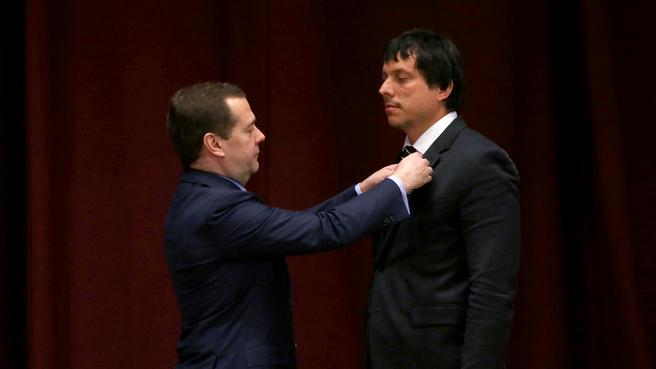 С директором департамента развития контрактной системы Минэкономразвития Максимом Чемерисовым