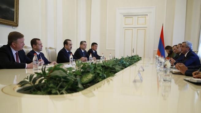 Встреча глав делегаций, принимающих участие в заседании Евразийского межправительственного совета, с Президентом Армении Сержем Саргсяном