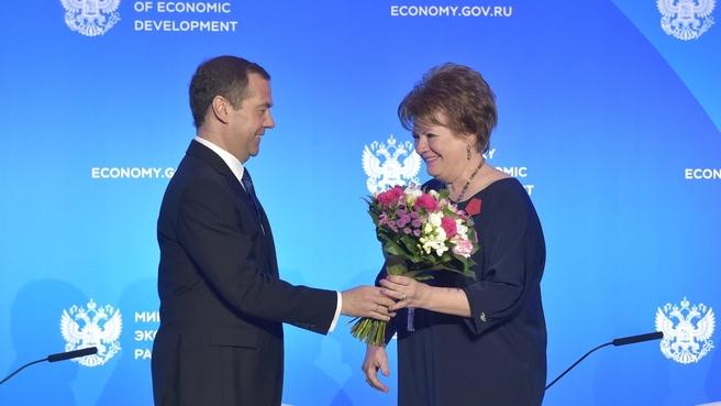 Вручение государственных наград. С торговым представителем Российской Федерации в Королевстве Испания Галиной Курочкиной