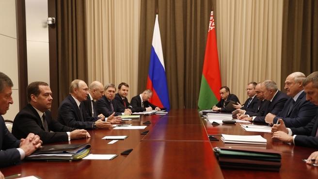 Участие Дмитрия Медведева в переговорах Владимира Путина с Президентом Белоруссии Александром Лукашенко