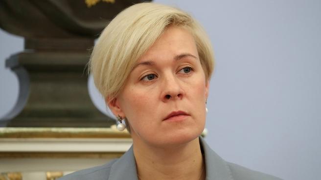 Екатерина Салугина-Сороковая, директор департамента регуляторной политики Правительства, на заседании Правительства