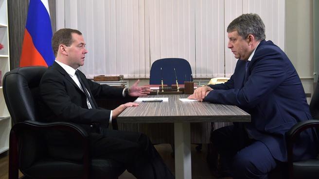 Рабочая встреча с временно исполняющим обязанности губернатора Брянской области Александром Богомазом