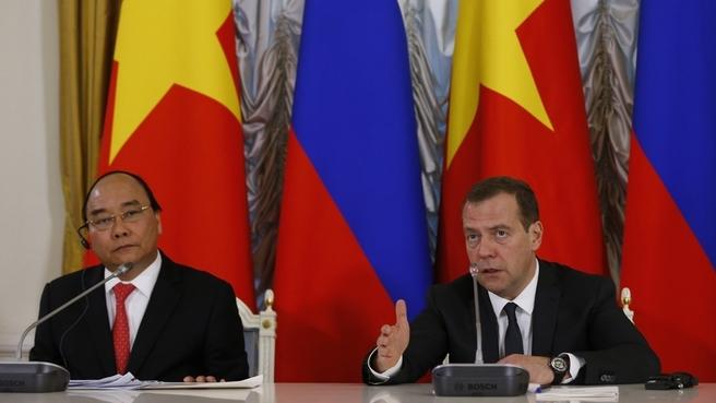 Пресс-конференция Дмитрия Медведева и Нгуен Суан Фука по окончании переговоров