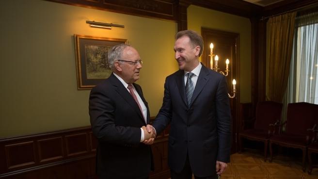 Игорь Шувалов с Министром экономики, образования и исследований Швейцарии Йоханом Шнайдер-Амманом